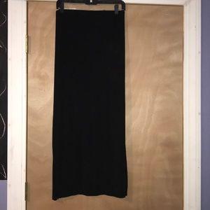Black Maxi Skirt w Slit
